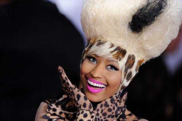 US  David Guetta ft Nicki Minaj - Turn Me On  Official Lyrics Video
