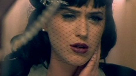 Breaking: Katy Perry's Marriage Comes To An End