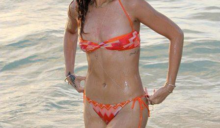Hot Shots: Rihanna Has Fun In The Island Sun