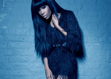 Exclusive: Michelle Williams Performs On The Splash!