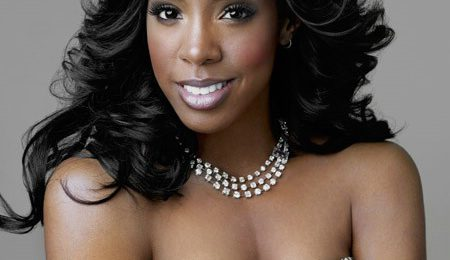 Kelly Rowland Beams Over Blue Ivy