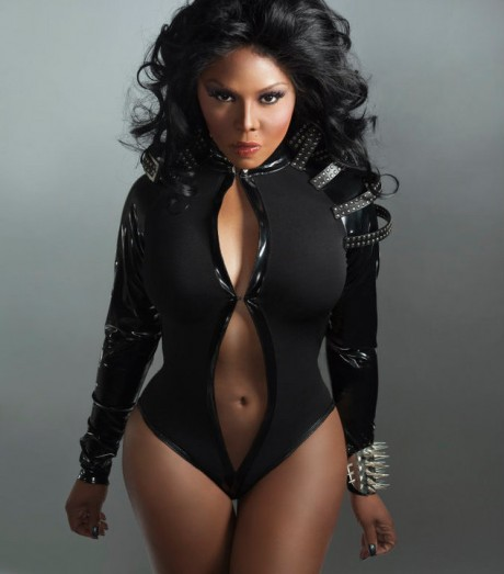 Lil Kim TGJ Report: Lil Kim Threatens To Destroy Nicki Minaj