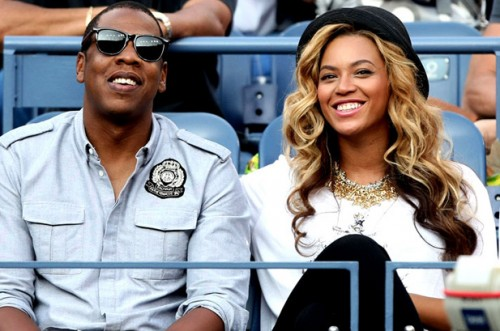beyonce blue ivy e1326317727890 Beyonces Blue Ivy Makes Billboard History