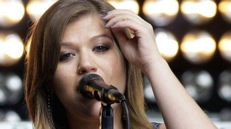 Kelly Clarkson Delivers Heavenly 'Star Spangled Banner' At Superbowl XLVI