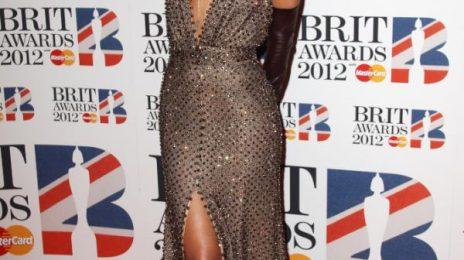 Hot Shots : Rihanna Arrives At Brit Awards