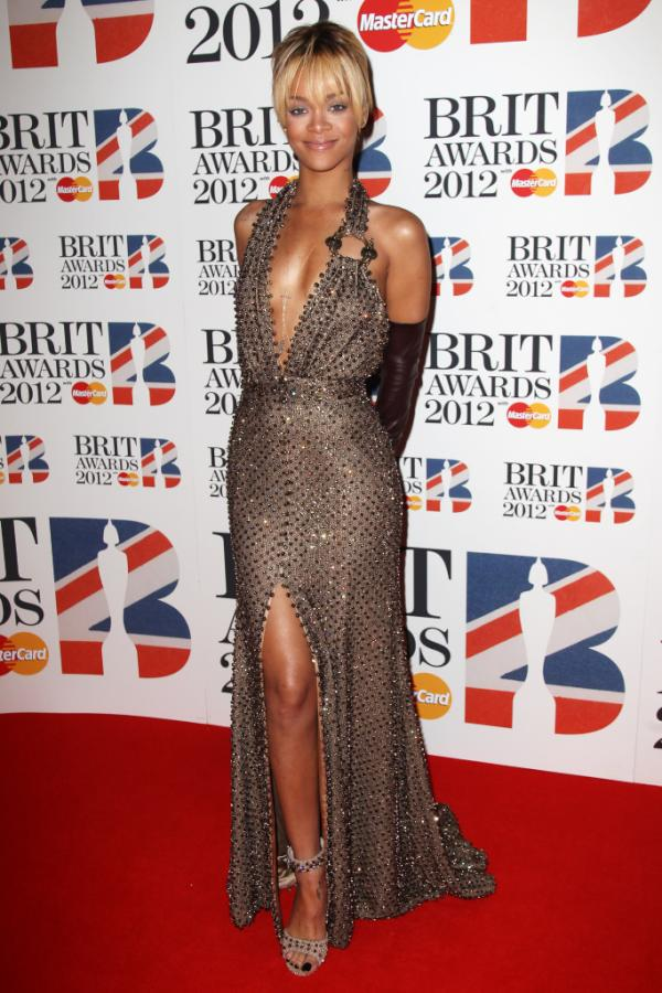 Rihanna Brit Awards1 BRIT Awards 2012: Red Carpet