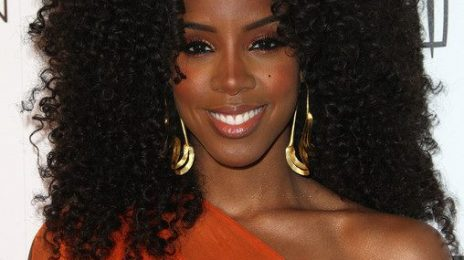 Kelly Rowland Performs 'Motivation'; Awarded Platinum Plaque At Essence Gala