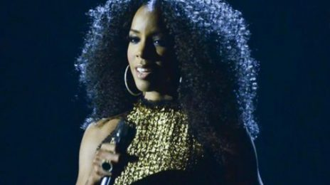 Kelly Rowland Performs Whitney Houston's 'How Will I Know'