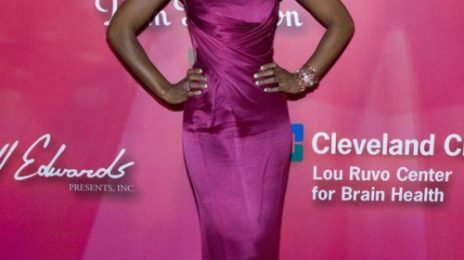 Hot Shots: Kelly Rowland Glows At 'Power Of Love Gala'