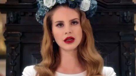 Watch: Lana Del Rey Plays 'Video Games' On Letterman
