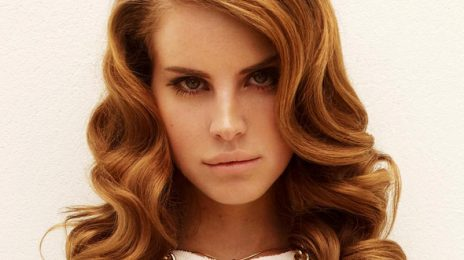 Watch : Lana Del Rey - 'Without You (Live)'