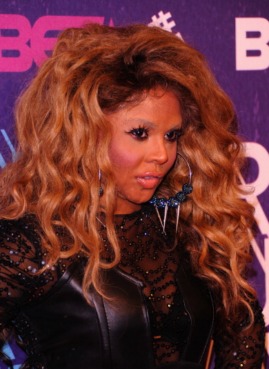 Must See: Lil Kim Arrives At BET 'Rip The Runway' - That ...