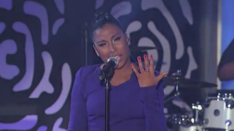 Melanie Fiona Wakes 'Kimmel' Up With '4AM' Performance