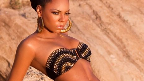 Ashanti Performs On 'Live With Kelly'