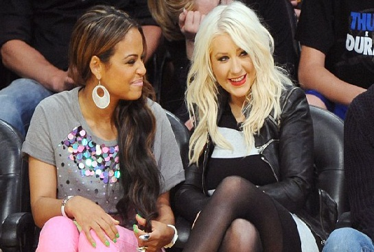 christina aguilera and christina milian at nba lakers vs thuder game1 Hot Shots: Christina Aguilera Unwinds With Christina Milian