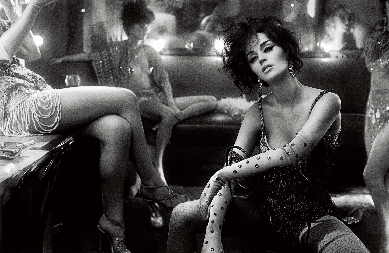 img katy perry 2 144254713867 Hot Shots:  Katy Perry Poses It Up For Interview Magazine