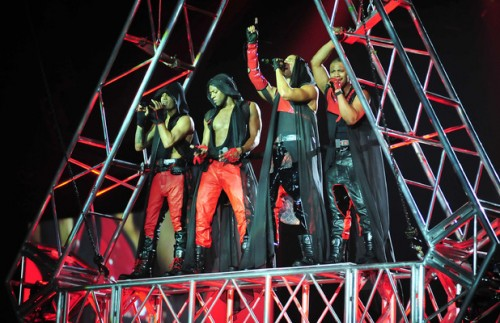 jls diva e1331813467681 Hot Shots: JLS Werk Up A Sweat On Tour