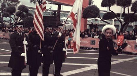 Melody Thorton Wails The National Anthem At L.A. Marathon