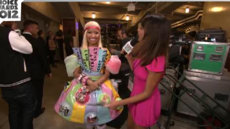 Hot Shot: Nicki Minaj Colour-Bursts At Kids Choice Awards 2012