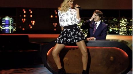Rihanna Performs 'Talk That Talk' On Jonathan Ross