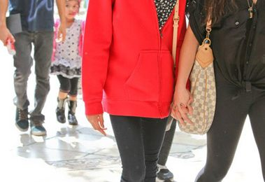 Hot Shots:  Willow Smith Glows At The Grove