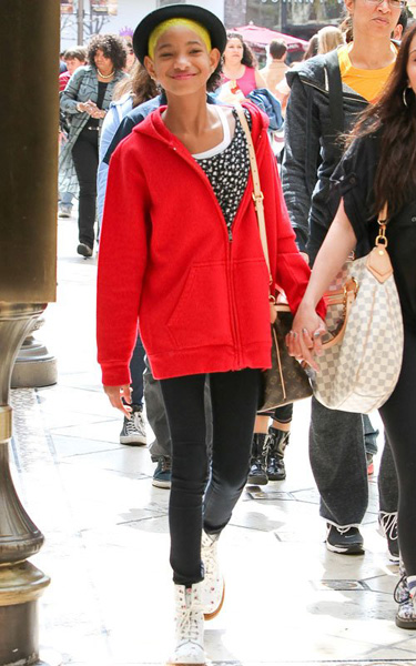 willow yellow 2 Hot Shots:  Willow Smith Glows At The Grove