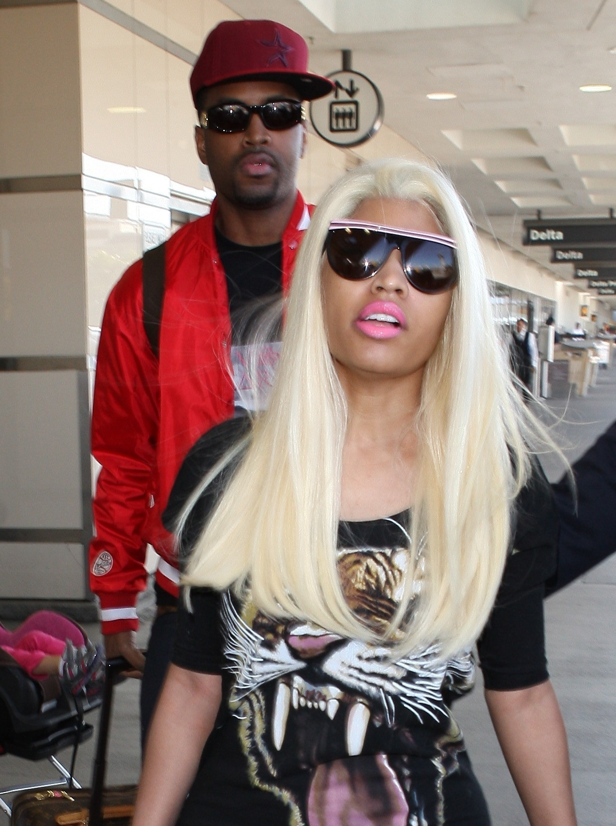 NICKI MINAJ SNAPPED AT LAX Hot Shots: Nicki Minaj Gets Shady In LAX