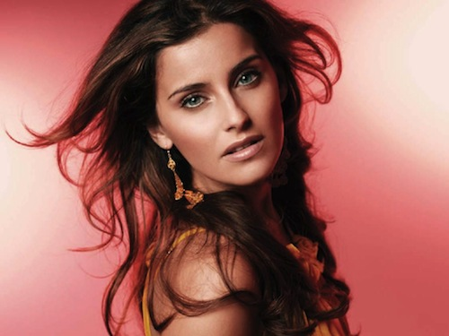 Nelly Furtado earned a  million dollar salary, leaving the net worth at 25 million in 2017