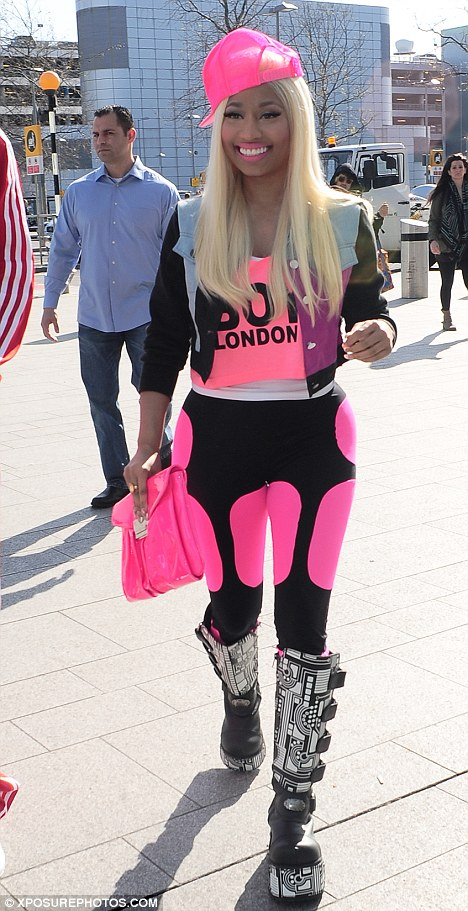 Nicki Minaj Leaves London 2 Hot Shots: Nicki Minaj Gets Inter Galactic In London