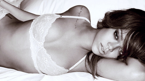 Rihanna Commits To Perform On 'Saturday Night Live'