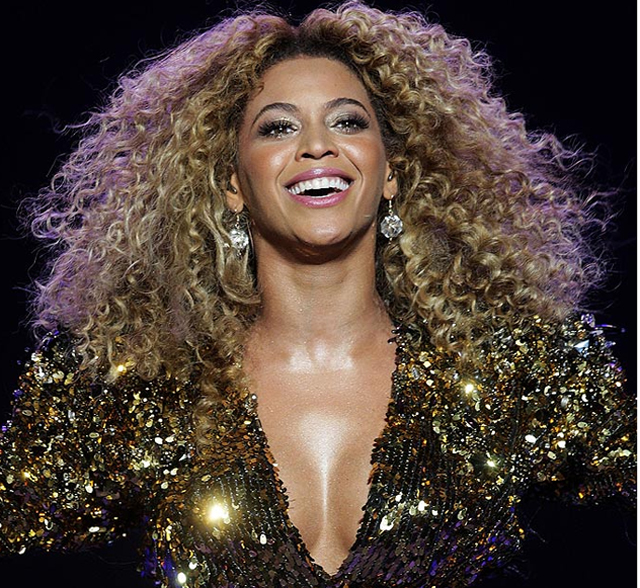 beyonce glastonbury 2011 Must See: Beyonce Honors Michelle