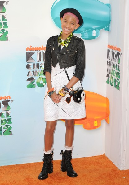 kca Hot Shots: Nicki Minaj, Katy Perry, & Willow Smith Embrace The Rainbow At KCA 2012