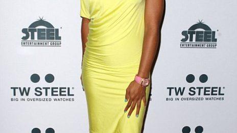 Hot Shots: Kelly Rowland Beams Down Under