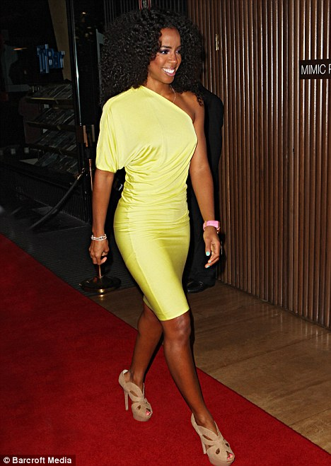 kelly rowland fierce 12a Hot Shots: Kelly Rowland Beams Down Under