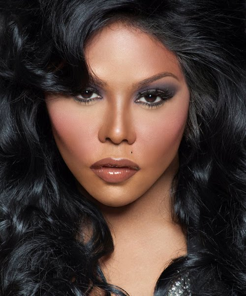 lil kim black friday Lil Kim Snubs Biggie Smalls Mother/ Announces Tell All Documentary