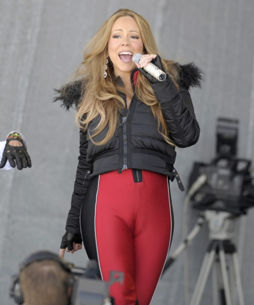 mariah camel e1335815058470 Hot Shots: Mariah Carey Has Wardrobe Malfunction