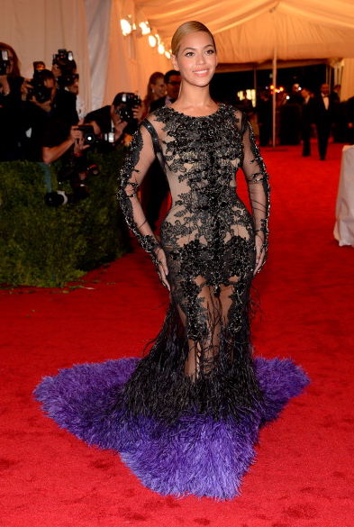 Beyonce met gala Queen B: Beyonce Arrives At MET GALA 2012
