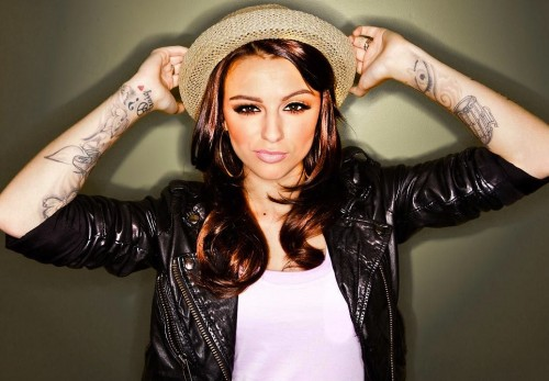 cher lloyd 123 e1338375389310 Cher Lloyd Covers Ushers OMG