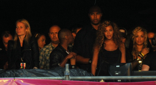 Beyonce rita jay Hot Shots: Beyonce Enjoys Rita Ora Coldplay Set