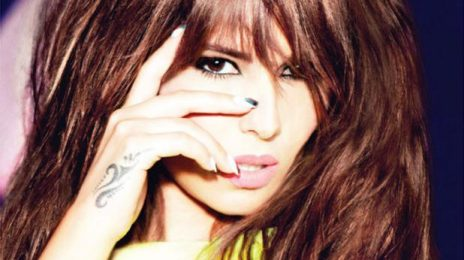 Cheryl Cole Denies Lip Synching / Gives Vocal Advice