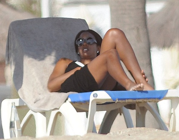 Kelly Rowland In Barcelona Hot Shots: Kelly Rowland Sizzles In Barcelona