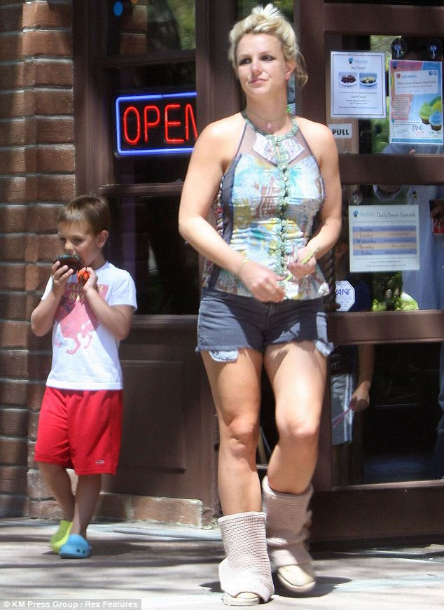 Hot Shots Britney Spears Takes It Easy In Santa Barbara That Grape Juice