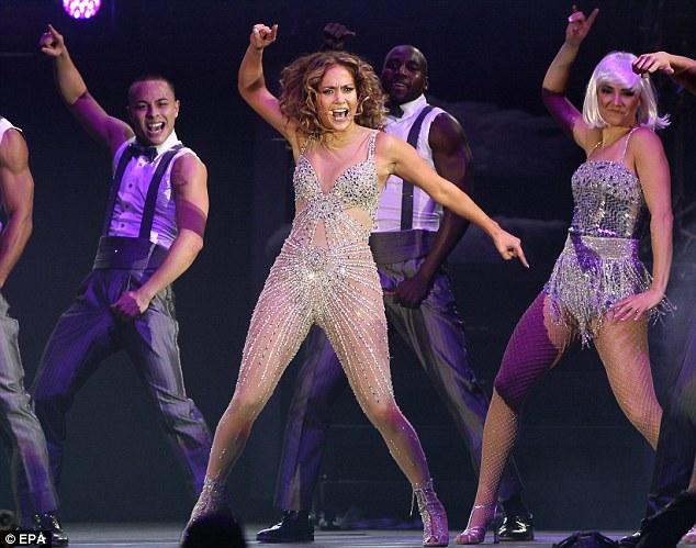 http://thatgrapejuice.net/wp-content/uploads/2012/06/jlo-dance-again-tour-2.jpg