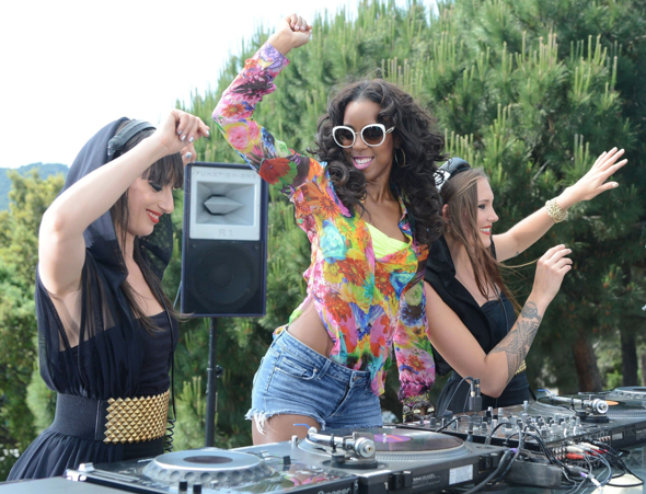 kelly rowland summer dreaming 5 Major: Kelly Rowland Teams With Bacardi / Shoots New Video