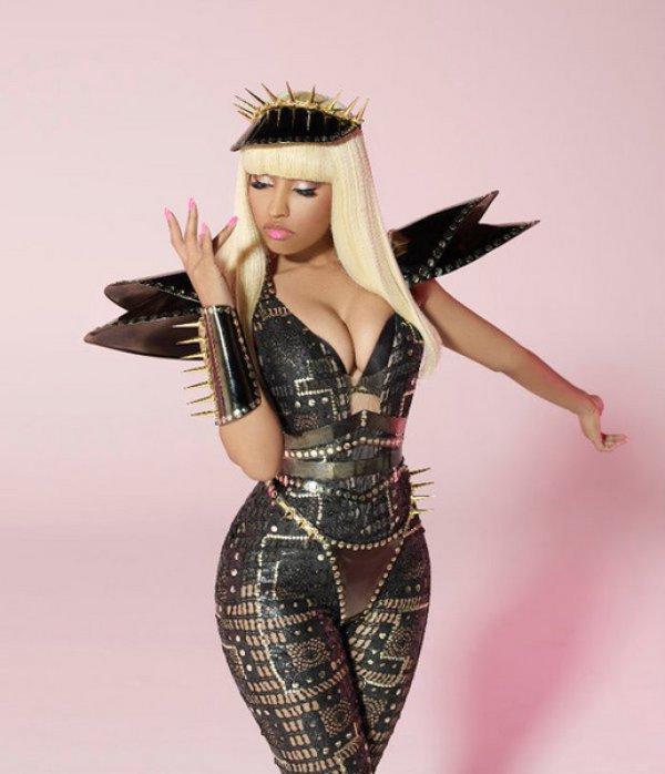 Nicki Minaj Pf Watch: More From Nicki Minajs Pound The Alarm Video Shoot
