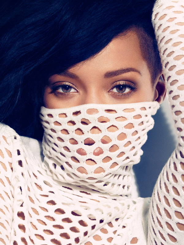 Winning : Rihannas Talk That Talk Reenters UK Top 5