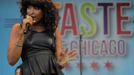 Watch:  Jennifer Hudson Hits the 2012 'Taste of Chicago' Festival With Whitney Houston Tribute