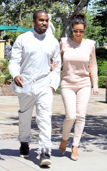 kanye and kim Hot Shots: Kanye West And Kim Kardashian Catch Up In Calabasas