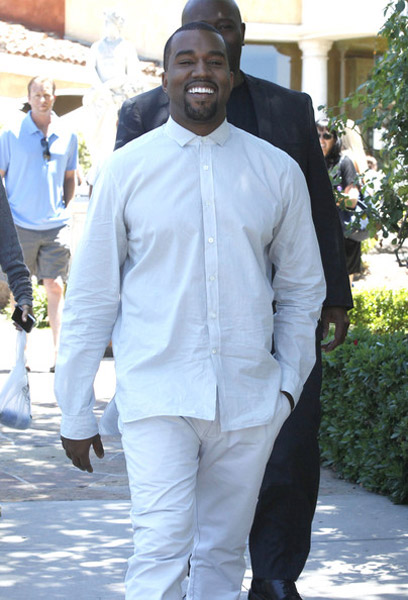 kanye in calabasas Hot Shots: Kanye West And Kim Kardashian Catch Up In Calabasas