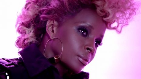 Mary J. Blige Sizzles At '2012 Essence Music Festival'